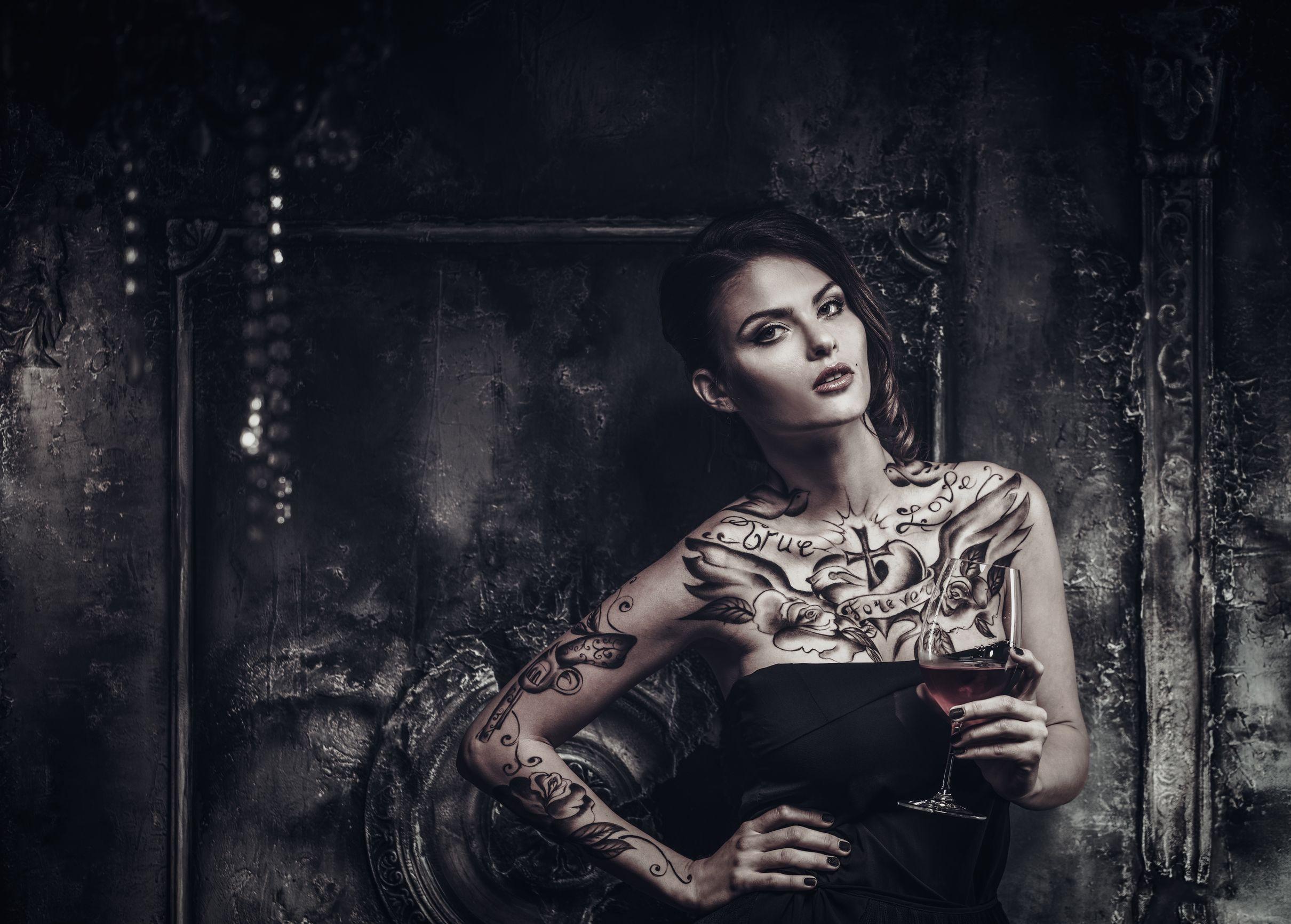 tattood woman