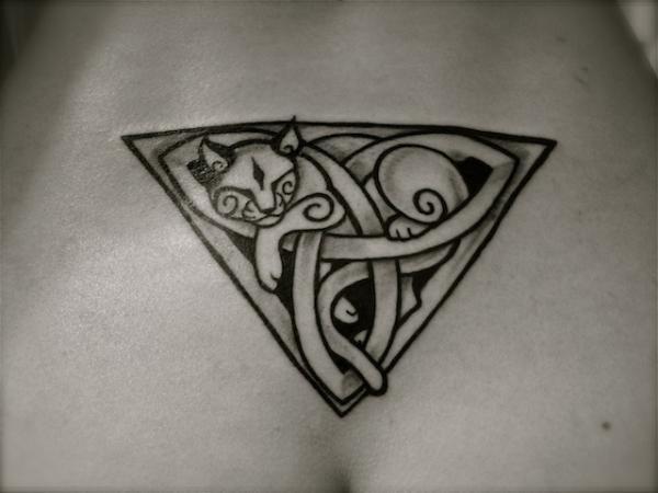 Lower back Celtic cat